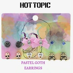 ☠️Hot Topic Pastel Goth Earrings new on card